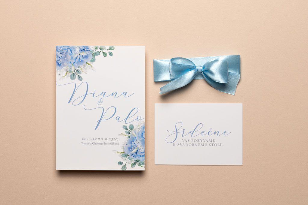 svadobné oznámenie s modrou hortenziou a s pozvaním
